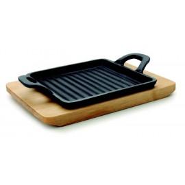 Mini Grill com tábua de madeira.