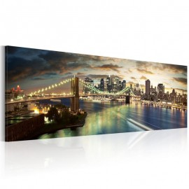 Quadro - The East River at night