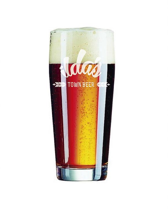 pinta de cerveza logotipo en cristal